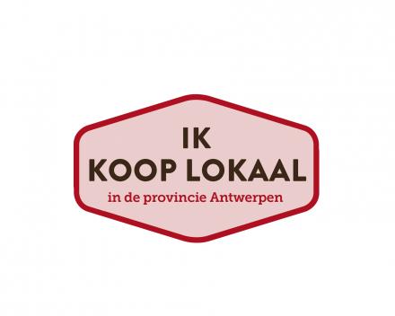 Campagnebeeld hires zonder background met logo